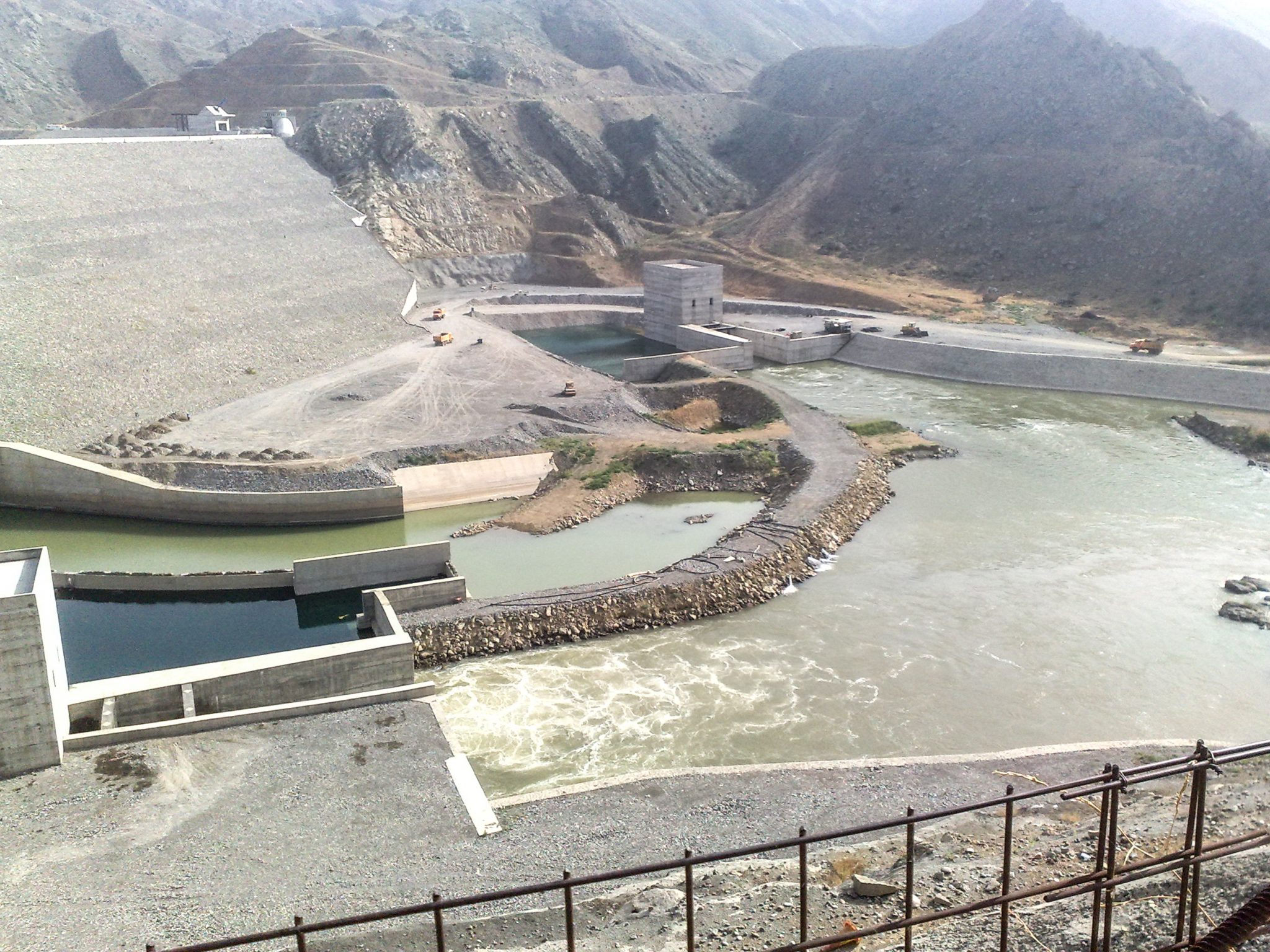 Feasibility study on aquaculture in dam and network of Khoda Afarin