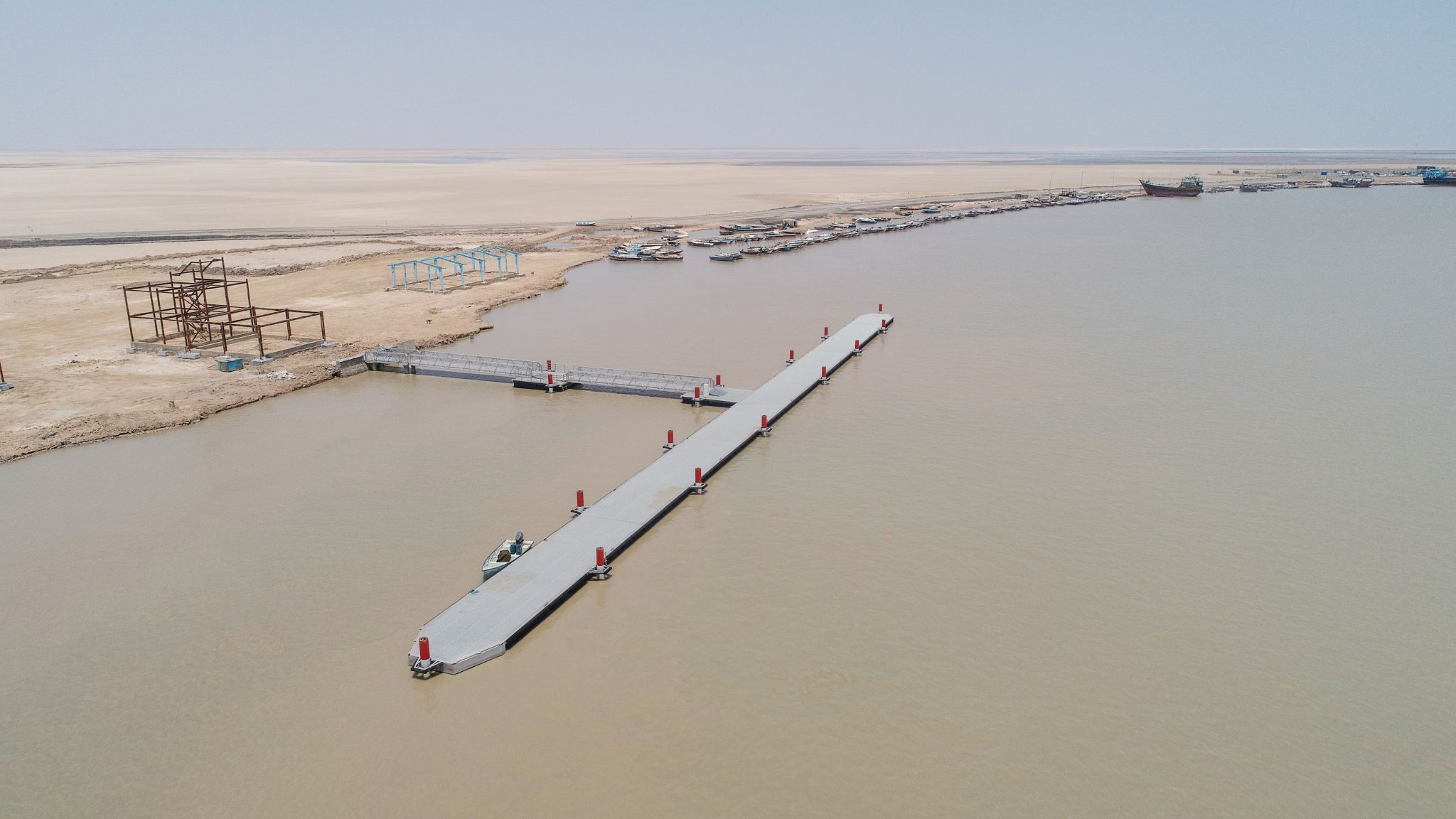 Superior and construction supervision on floating pier and supportive facilities construction of Abu Khozair Estuary